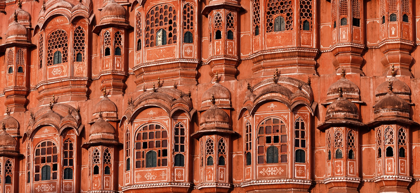 Hawa-Mahal-Palace-Of-Winds-Jaipur