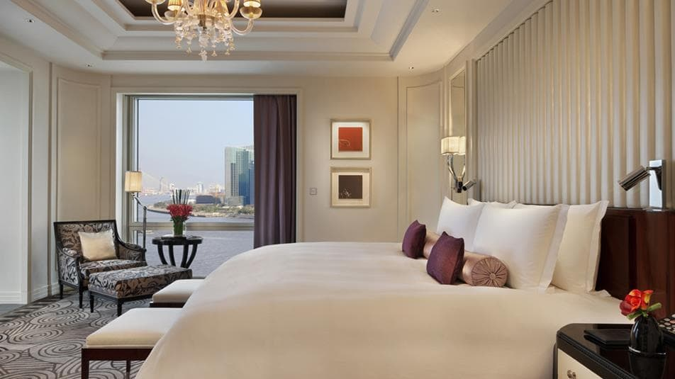 Peninsula shanghai accommodations Majestic Suite Bedroom