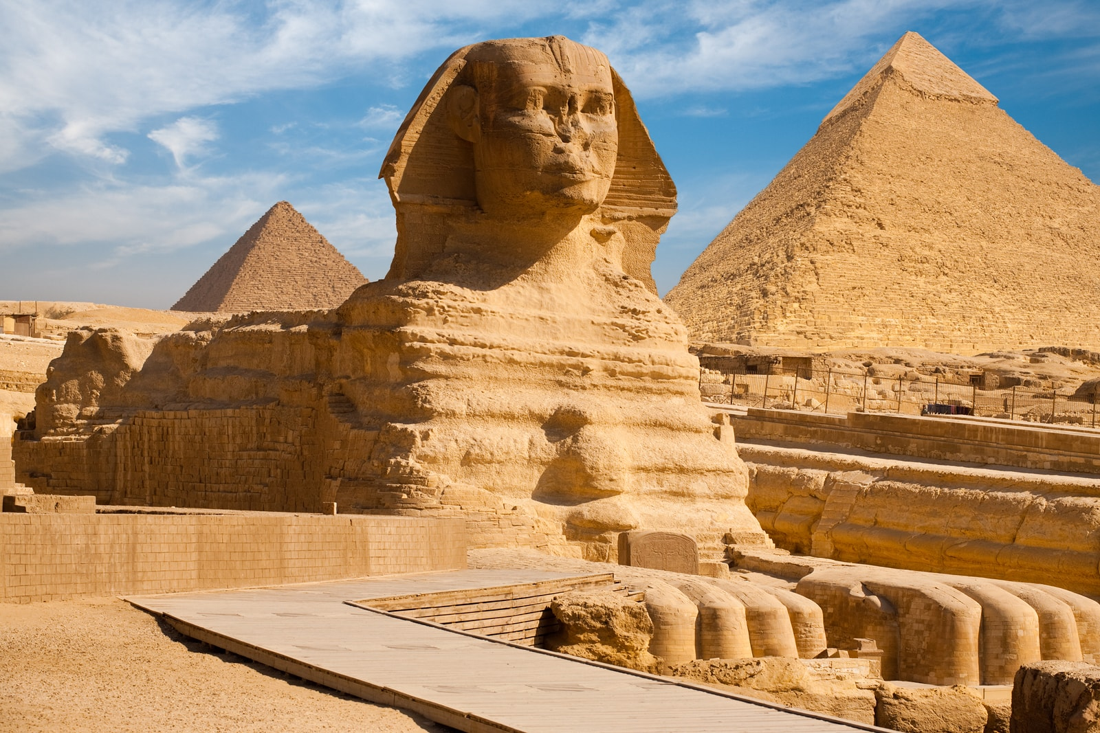 The Sphynx and the the Great Pyramid of Giza