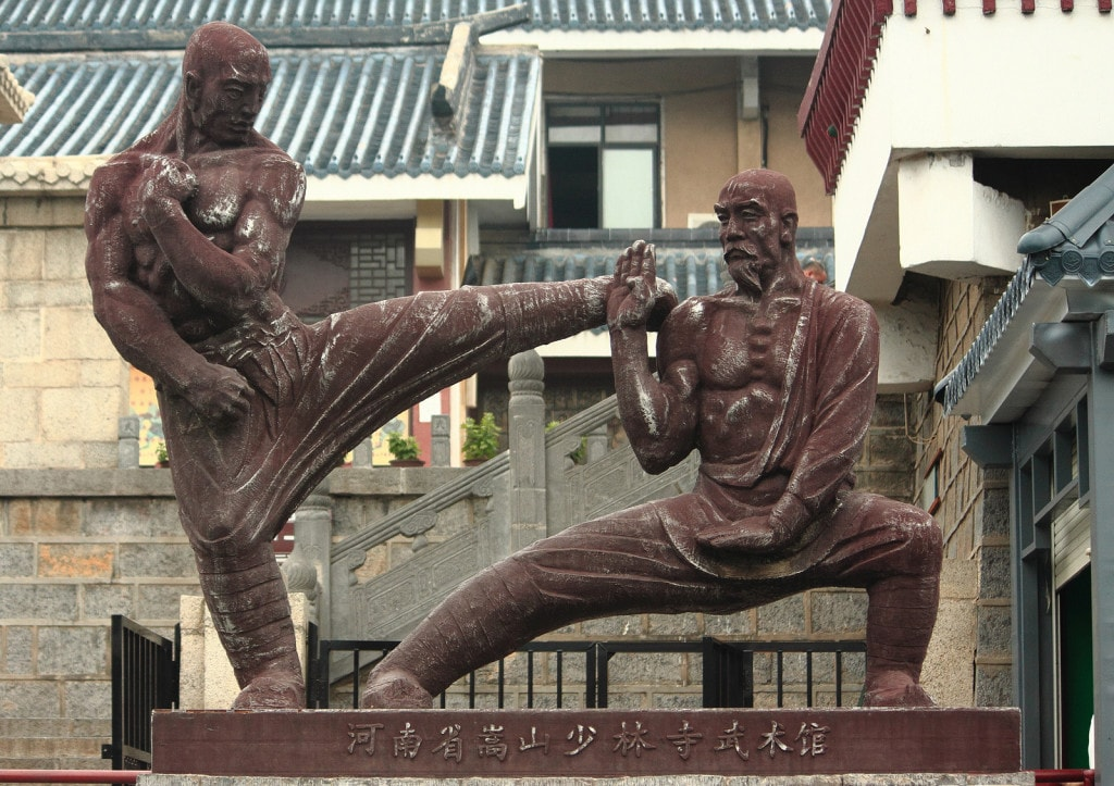 Statueof Two Fighters near Shaolin Temple