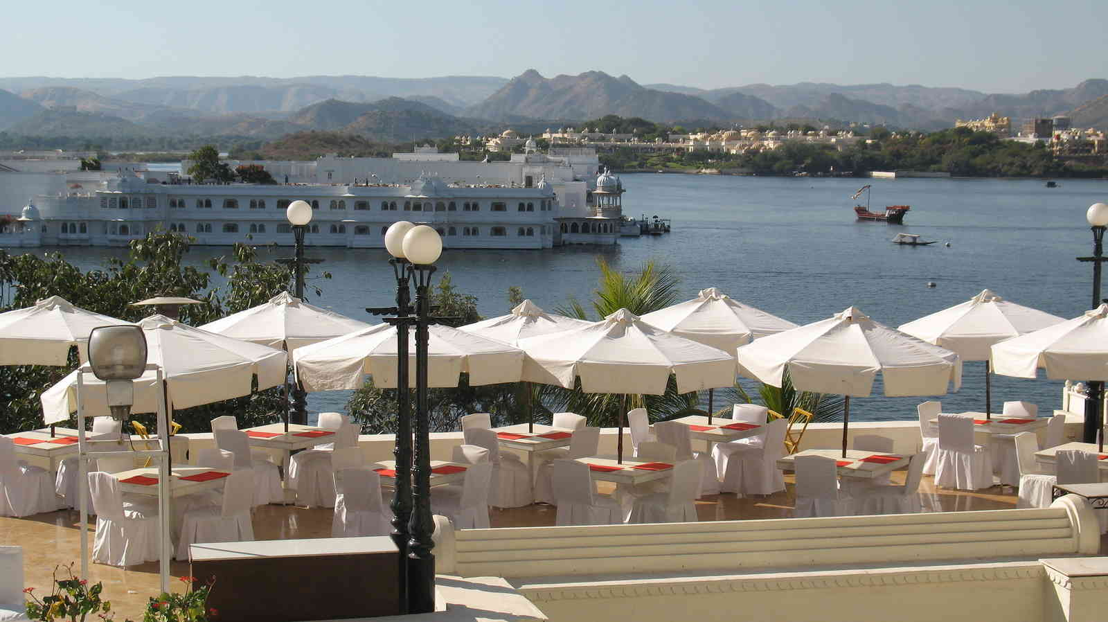View_of_Lake_Pichola_from_café_terrace_Udaipur