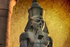 colossus of ramses in luxor